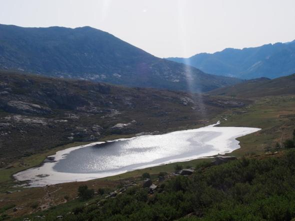 Vue imprenable sur le lac de Nino